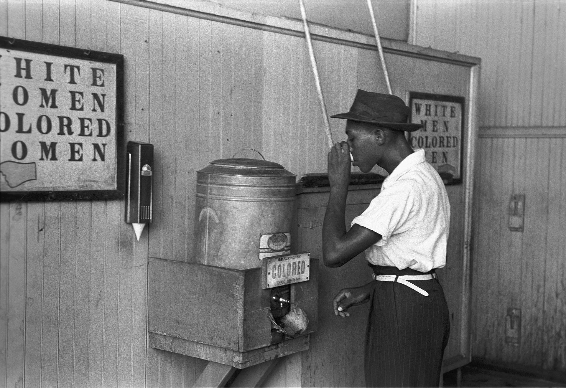 1920px-'Colored'_drinking_fountain_from_mid-20th_century_with_african-american_drinking
